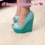 Zapatos de plataforma despustandos